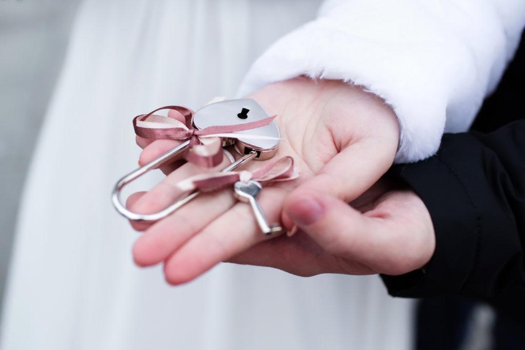 Hochzeitsritual Liebesschloss