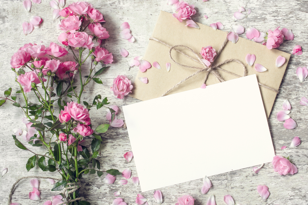 Hochzeitslocation buchen Save The Dates Einladungskarten