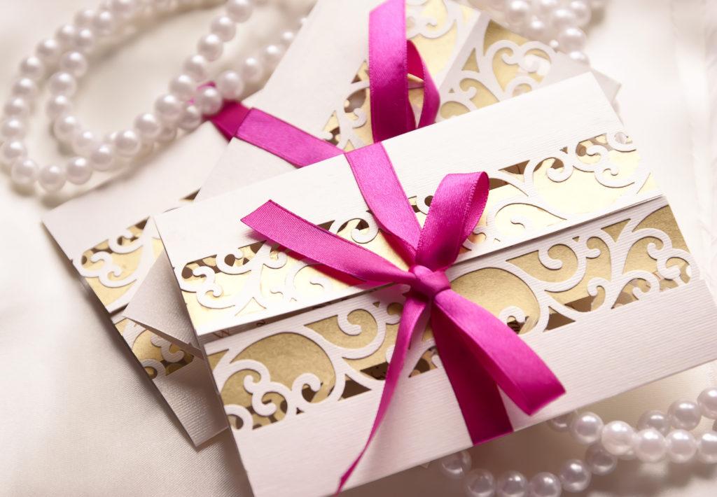 Hochzeit Einladugskarten Schleifen Carinas Hochzeitsplanung Glückwunschkarten zur Hochzeit: 7 Schöne Ideen Tipps & Erfahrungen