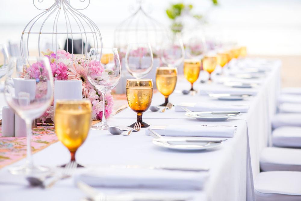 Locationbesichtigung für die Hochzeit Checkliste Fragen stellen