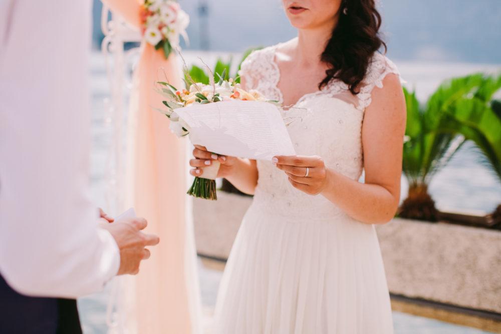 To-Do's vor der Hochzeit Ehegelübde schreiben