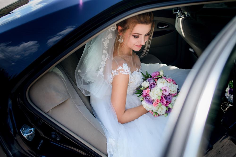 Pannen in der Hochzeitsplanung Hochzeitsauto Braut