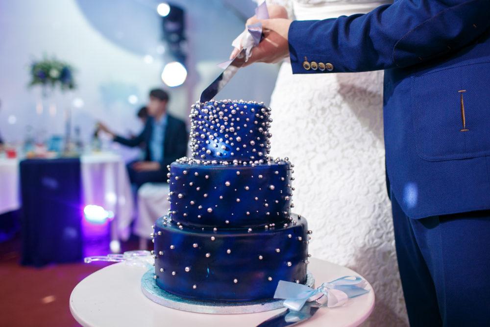 Hochzeitstorte Tipps Tortenanschnitt