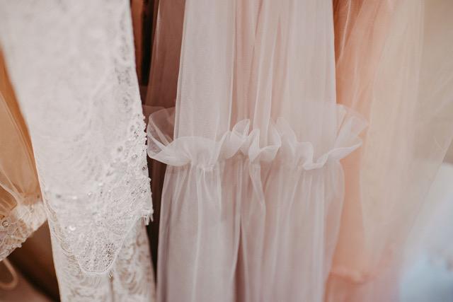 Brautmode Trends 2019 Brautcape Wrap Hochzeitskleider