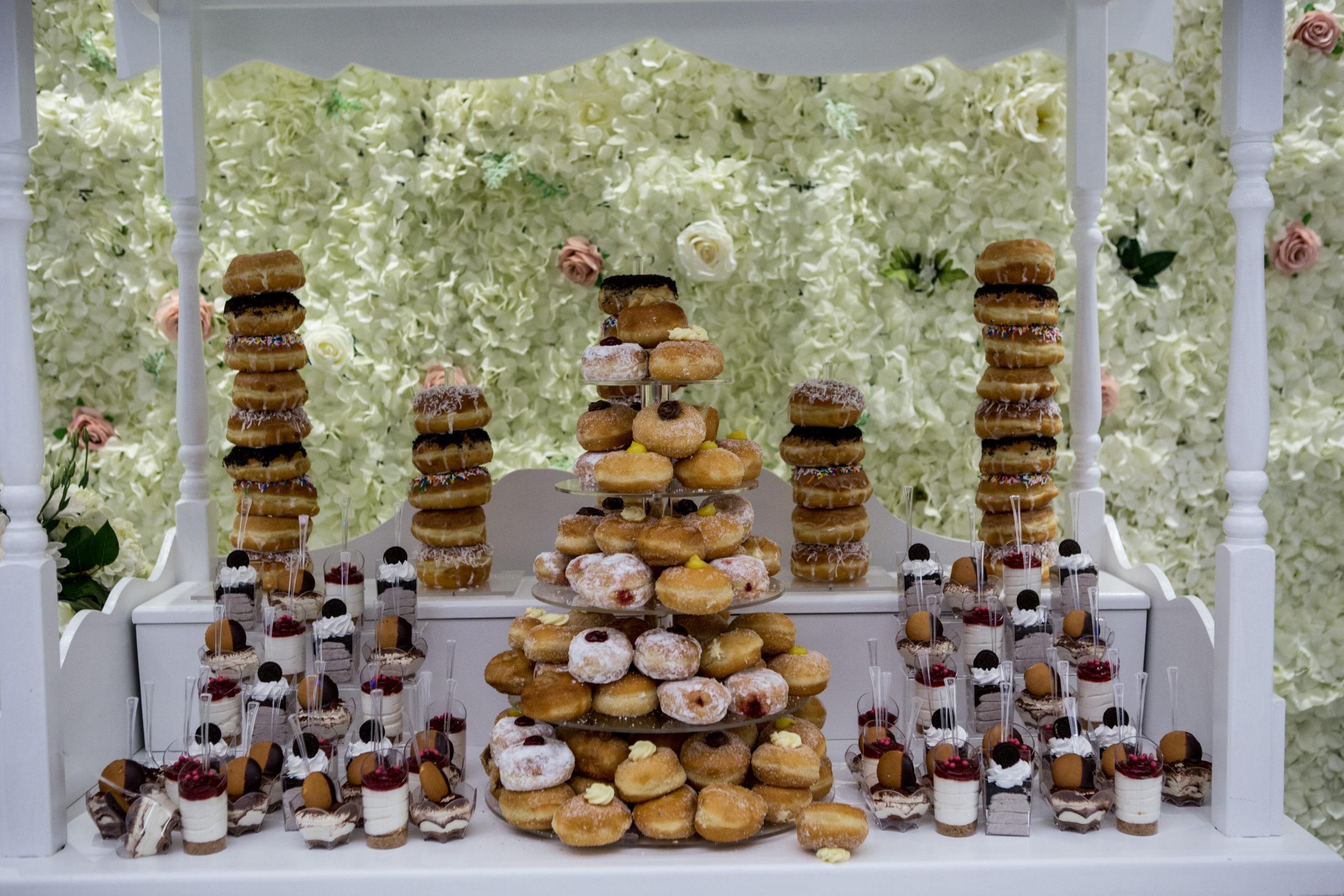 Hochzeitstrends 2021 Donut-Hochzeitstorte