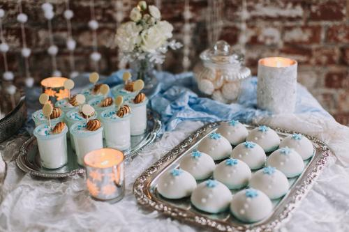 Winterhochzeit Sweet Table